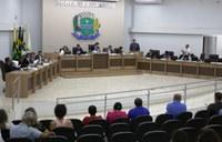 Em 18ª sessão, Câmara aprova três PL do executivo e faz homenagem a coral e fotógrafa